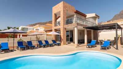 Photo for Modern Villa With Private Heated Pool And Sea Views