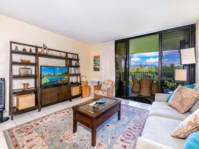 Photo for Kihei Style w/WiFi, Flat Screen, DVD, AC, Kitchen, Lanai+Laundry–Kamaole Sands 4204