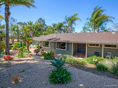 Photo for Quiet and Tranquil Vacation Getaway w/ Yoga Room. Close to Theme Parks/LegoLand.