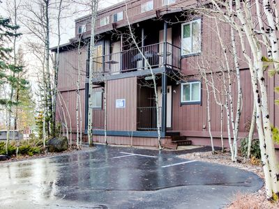 Photo for Tahoe City lakeview condo w/shared pool, hot tub, dock access, close lake access