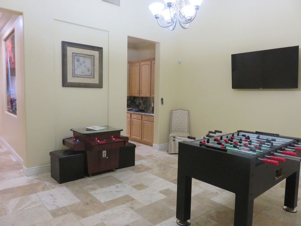 Property Image#5 Luxury 2 Bed Home In Dealu0027s Conservation Area Yards From  The Beach