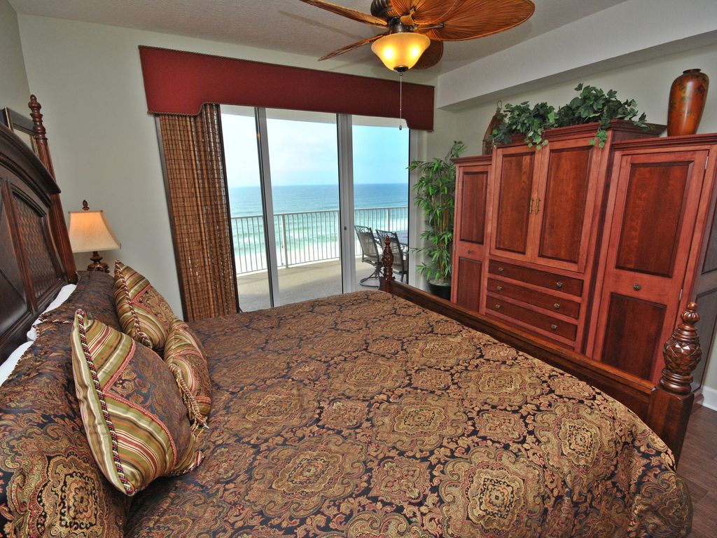 Ocean Villa Condominiums (Panama City Beach, FL, USA)