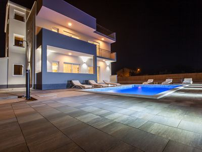 Photo for Luxurious villa Siculi, 10+2, 33m2 pool, 50 m from the sea