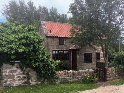 Photo for HOLLY COTTAGE, pet friendly, with open fire in Whitby, Ref 960331