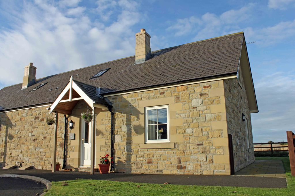 2 field view a cosy coastal dog friendly cottage with private access rh homeaway co uk