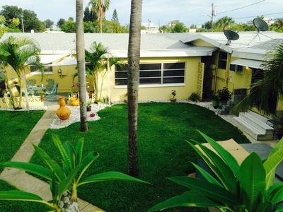 Alice's Beach Bungalows 1 Bdrm 500' To The Beach