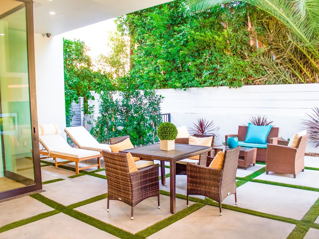 Property Image#4 West Hollywood Mansion With Big Rooftop Patio, Private Pool,  Hot