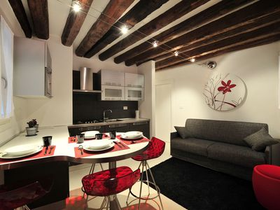 Photo for Ground floor apartment San Marco-Accademia--free WI-FI