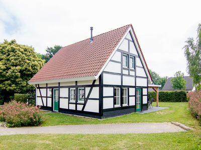 Photo for Extra luxury 6-person villa in the holiday park Landal Kasteeldomein De Cauberg - in the mountains/rolling countryside