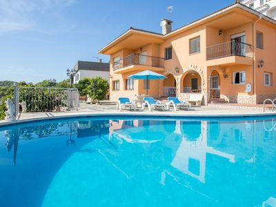 Photo for 6 bedrooms Villa with private swimming pool