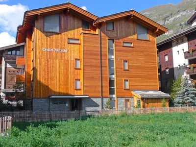 Photo for Apartment in the center of Zermatt with Lift, Internet, Terrace (49487)