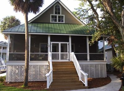 Fantastic cottage home overlooking first hole of Ocean Creek Golf Course