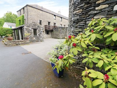 Photo for THE HAYLOFT, character holiday cottage in Lindale, Ref 931263