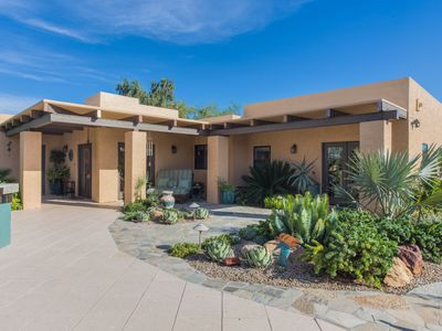 Photo for Luxurious Scottsdale Home Convenient to Everything!