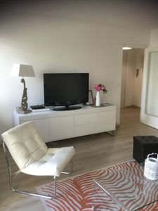 Photo for 1BR Apartment Vacation Rental in Puteaux, Ile-De-France