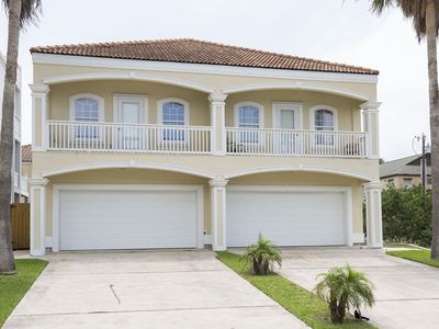 Photo for Private townhome, 1/2 block from beach! Nicely decorated interior!