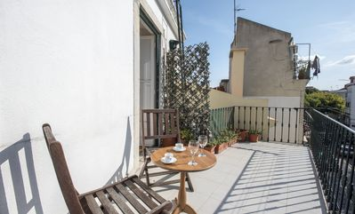 Photo for Social distancing for 4 w/ terrace in Alfama