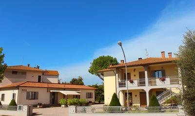 Photo for Farmhouse in Umbria on Trasimeno: Food and wine, art and nature!