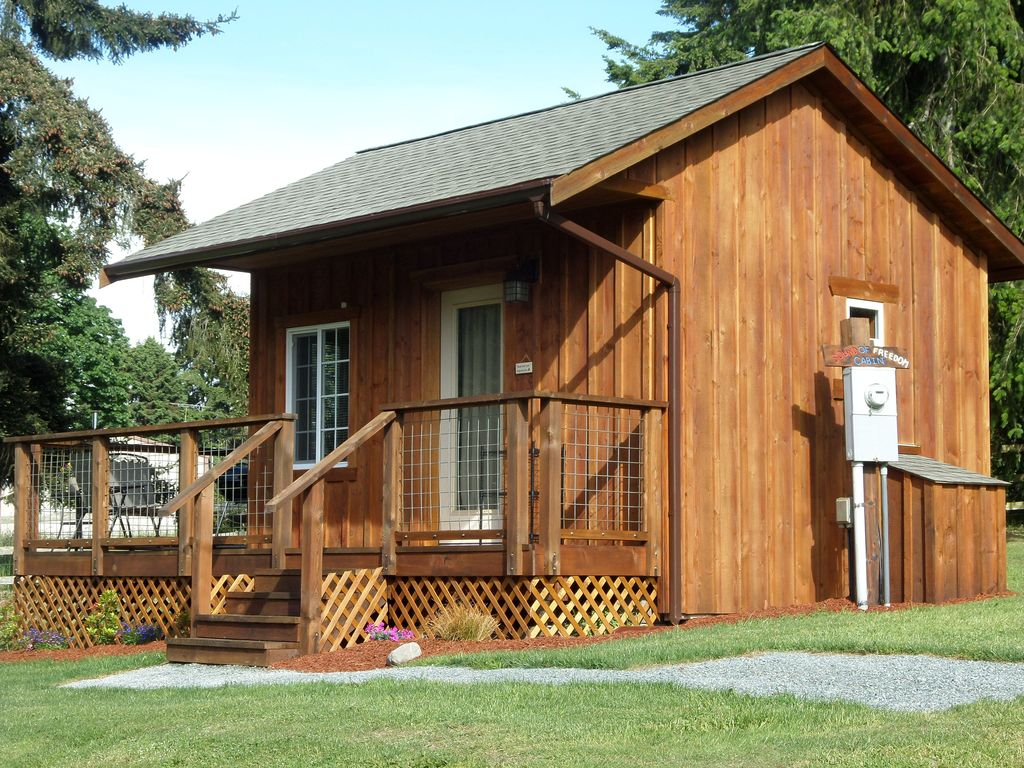Central whidbey island unique 200 sq ft cabin oak harbor for 200 sq ft deck