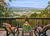 Breathtaking 100 Mile Mountain/City Views-5 Mins. to Pkwy in Pigeon Forge!