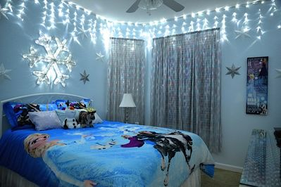 Queen BR .  'Frozen' lighting can be dimmed for magical shimmering effects.