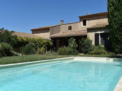 Photo for Family house with pool and views in the Lubéron
