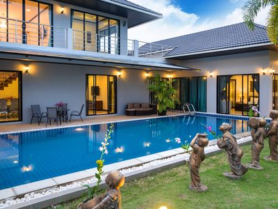 Photo for Serviced Grand Villa Luxury Holiday