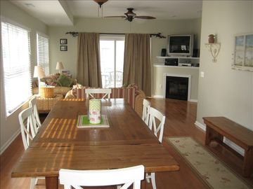 Ocean Block Townhouse - Private Beach - Great for 2 Families