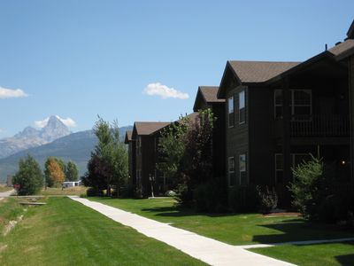 Beautiful, Modern, and New 3 bdr. condo with Grand Teton View out the front door