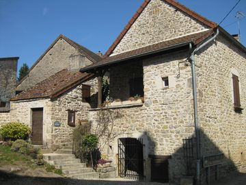 300 year old winemaker's house in the heart of traditional Burgundy wine village
