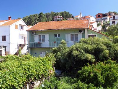 Photo for One bedroom apartment with balcony Jelsa (Hvar) (A-4602-b)