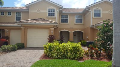 Photo for Lakefront townhome near beach in Southwest Florida