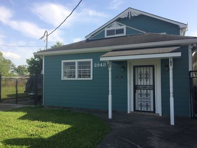 Photo for Big Easy Charmer 2 Bdrm 19STR-00985 In Convenient Location.