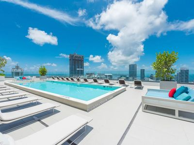 Photo for Brickell Condo 2Bd/2Bath/+Den with Panoramic Views of Downtown | 5 Star Living