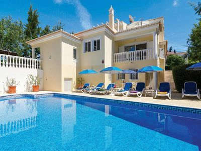 Photo for 4 bedroom Villa, sleeps 8 in Vale da Canada with Pool, Air Con and WiFi