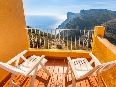 Photo for 2 bedroom Apartment, sleeps 5 with Pool, Air Con and FREE WiFi