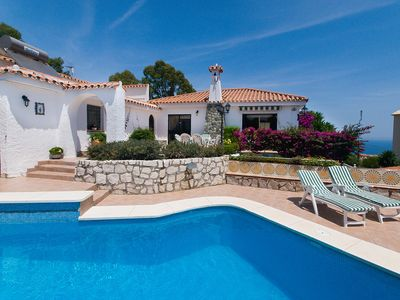 Photo for This 3-bedroom villa for up to 6 guests is located in Fuengirola and has a private swimming pool and