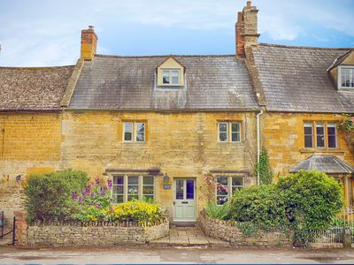 Photo for Century House-Beautiful Cotswold Cottage