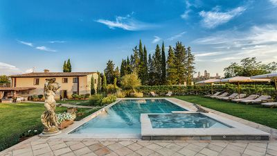 Photo for VILLA IRIS SAN GIMIGNANO LUXURY 6 ROOMS EN SUITE, POOL, SPA, FITNESS AREA