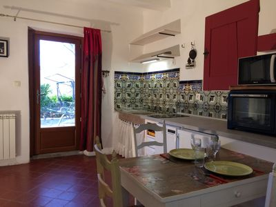 Photo for Charming apartment in a bastide Aixoise