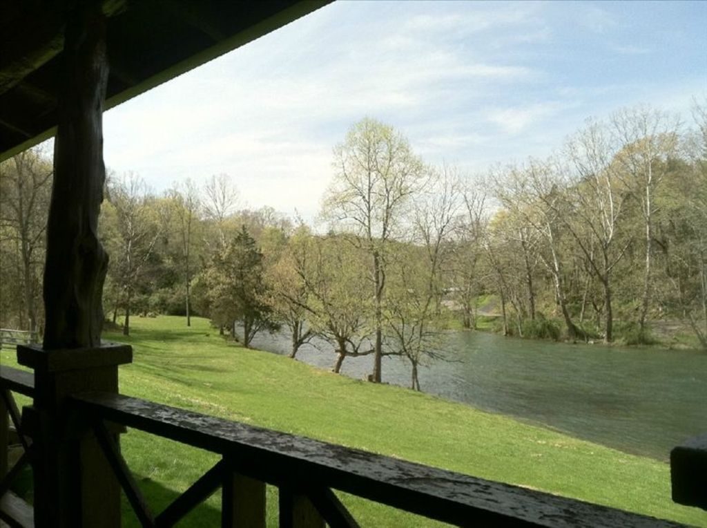 Cabin On South Holston River 900 Ft Of Priv Homeaway