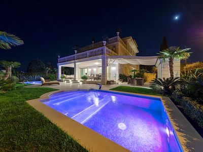 Photo for Luxury Lake-Front Catullo A1