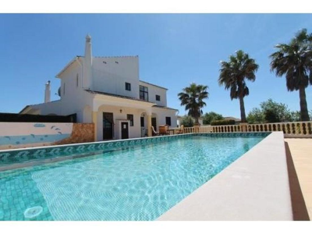 Casa jean algarve beautiful villa with stunning views for Private swimming pool