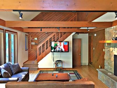 Photo for Hot tb, Pool Tbl, Air Hckey, Ping pong, Lrg Flt Tvs, wifi, cble, 1mile to slopes