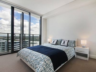 Photo for Stunning Waterview Two Bedrooms Apartment