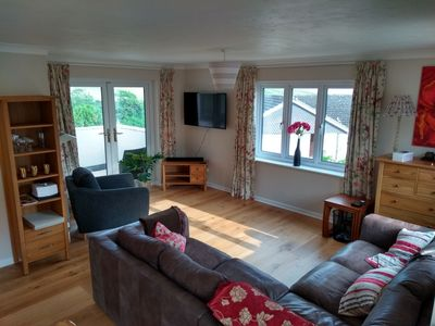Photo for Spacious detached house, two minutes walk from the beach and coastal path.