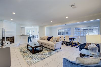 Bright & Sunny Open Plan Living/Dining/Kitchen Area