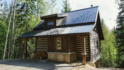 Photo for Log Dovetail Rooster Cabin - Mountain Life Getaway!