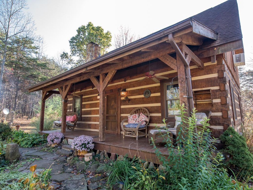 in the pet hocking cabin cottage new plymouth of hills rental log on cabins friendly secluded heart