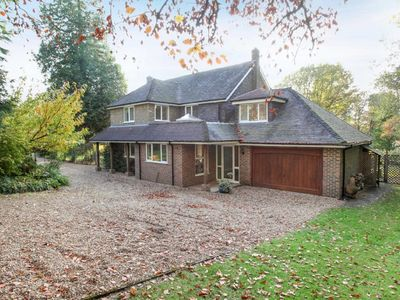 Photo for 5BR House Vacation Rental in Hindhead, Surrey